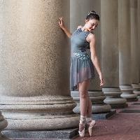 Julia Huntsinger profile picture