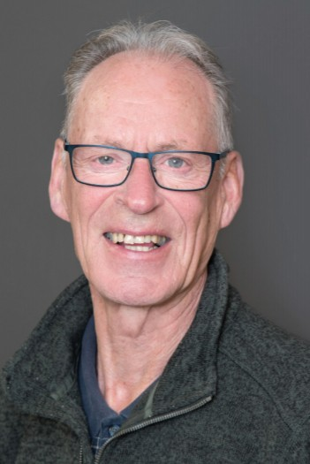 Dr. Neil McKenzie