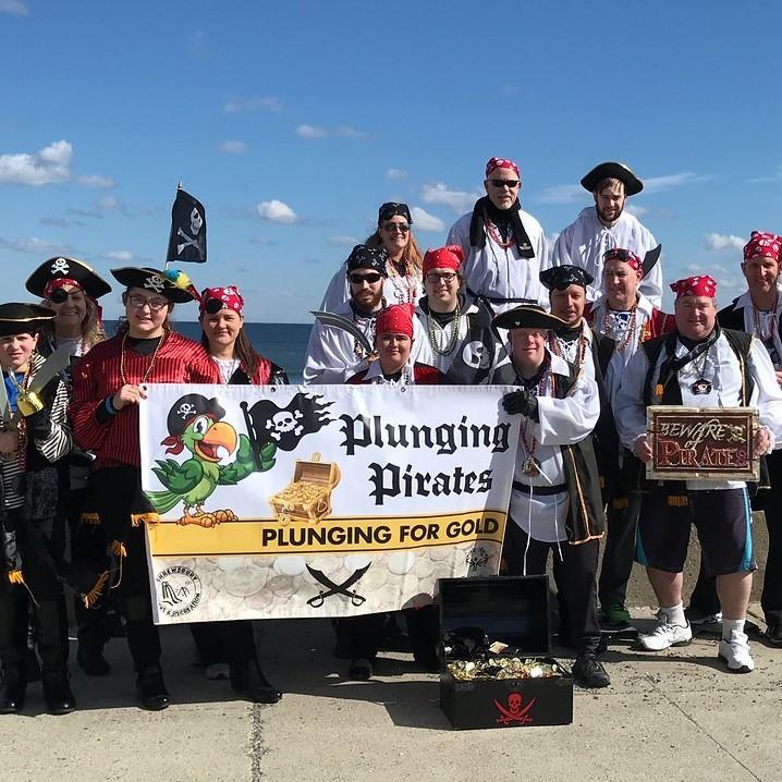 Plunging Pirates team at 2020 Nantasket Plunge