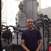 Josh Thomas profile picture